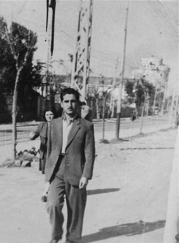 34.-1944-OSS-agent-Helias-Doundoulakis-by-Salonicas-waterfront-boulevard.-The-infamous-White-Tower-or-White-Castle-in-the-background.
